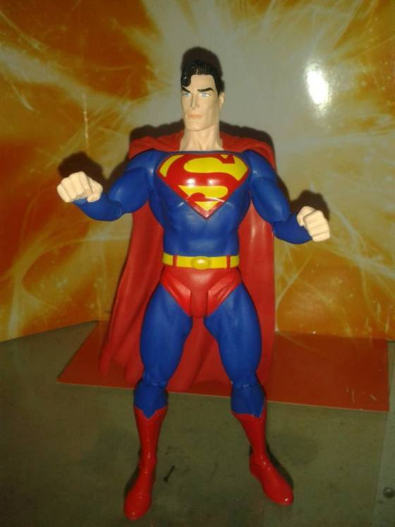 Action Figure do SUPERMAN da linha Direct DC - Prêmio de Foto mais curtida no Facebook.