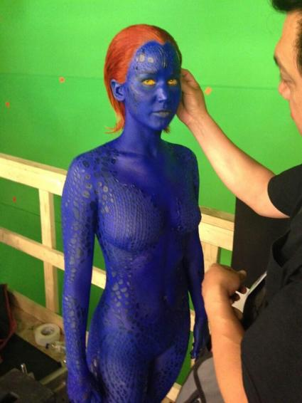 até azul essa mulher é bonita