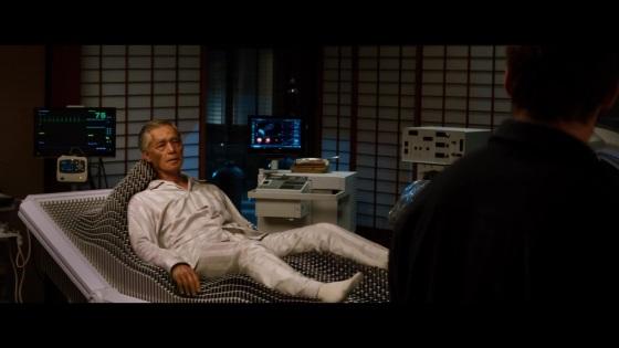 O velho conhecido de Logan na verdade é patriarca do Clã Yashida