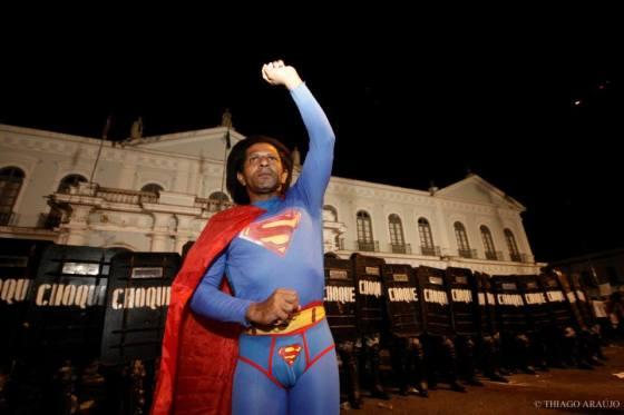 Superman na manifestação #BelémLivre