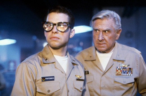Jon Cryer e o veterano  Lloyd Bridges.